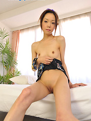 Thick japanese girl Emi Konishi