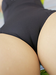 Some photo sets from pretty asian model Makoto Nozaki