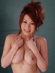 Gorgeous Yuki Aida shows off her big boobs