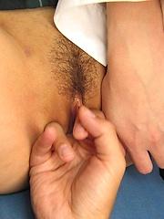 Schoolgirl Hinayo Motoki gets pussy fingered