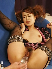Ami Matsuda gets pleasure by a big vibrator