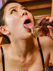 Kei Akanishi with nude cunt gets cum from three sucked boners