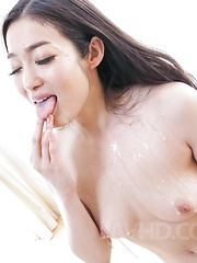 Ryu Enami licks cum she gets from sucked tools and shows pussy