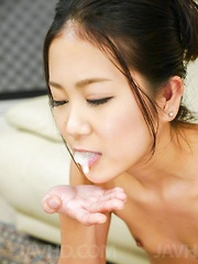 Kyoka Sono with juicy bee stings has cum in mouth from tools