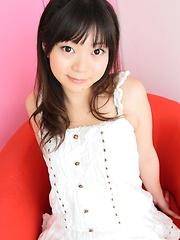 Cute japan cutie Momoka Utsumi