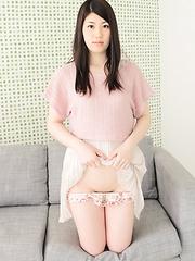 Japanese cutie Mayuka Ikeda