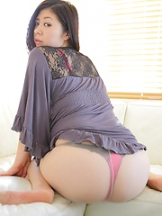 Lapanese model Manami shows her booty