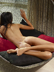 This Asian Girl is waiting for you, totally naked