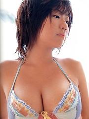 Asian model Hitomi Kitamura Posing