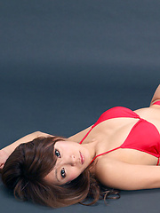 Yuki Aikawa Asian with leering curves in red bath poses so sexy