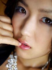 Noriko Kijima Asian with sexy lips and juicy bum is perfect model