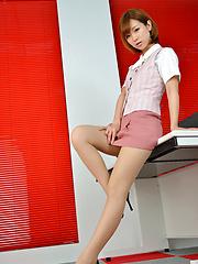 Ichika Nishimura Asian proudly shows sexy legs under short skirt