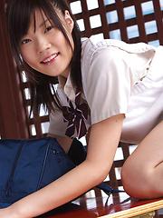 Airi Sakuragi Asian unbottoms shirt and shows chest in white bra