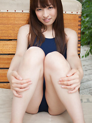 Maho Kiruma Asian shows sexy curves in bath suit in her garden
