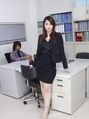Hikaru Matsu enjoys showing off her nude body