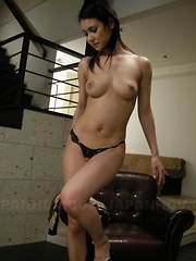 Tempting Maria Ozawa dildoing her juicy cunt.