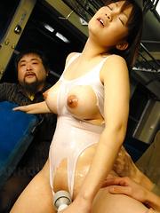 Horny Yayoi Yoshino uses a vibrator on bus