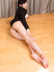 Man strokes and cums on Aoi Shino sexy legs