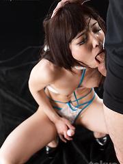 Aoi Shino loves to make deepthroat