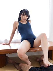 Kasugano Yui footjob
