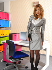 Sexy office darling Nao shows off with joy