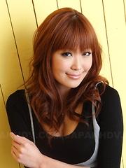 Hot babe Yuno Hoshi showing her sexy body