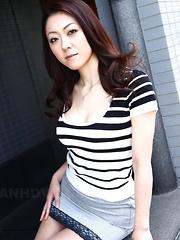 Japanese lady Ruri Hayami likes to show off