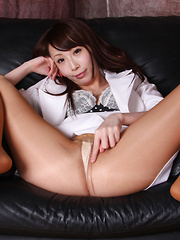 Aya Kisaki Asian spreads sexy legs and shows beaver in stockings