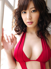Natsuki Ikeda Asian with big melons in red lingerie is relaxing
