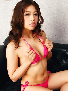 japanese porn model Asuna Kawai